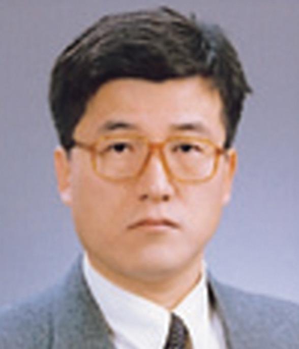 김찬중 사진