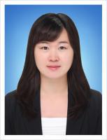 김홍련 사진